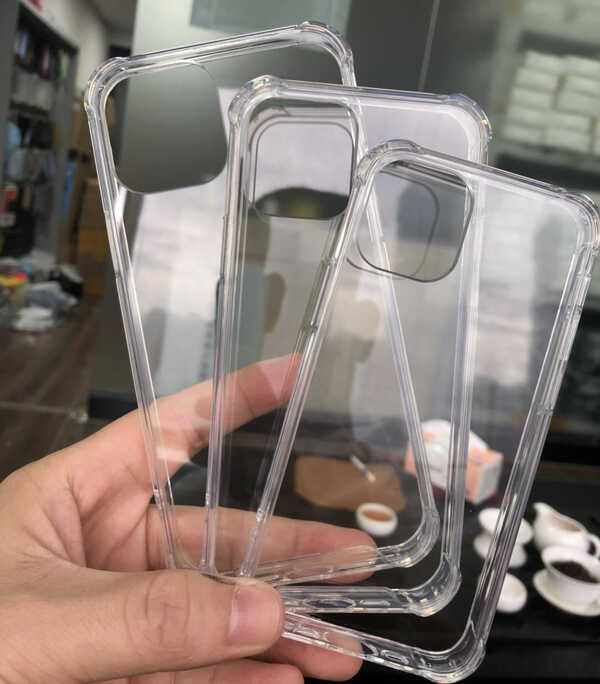 funda protectora transparente del iPhone 12.jpeg